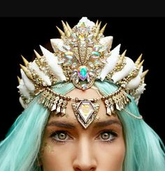 Crown of shells