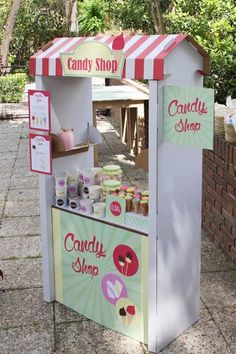 Nice party: Welcome summer! Candy Table, Candy Buffet, Candy Cart, Shower Bebe, Ice Cream Party, Ideas Para Fiestas, Fiesta Party, Circus Party, Candy Store