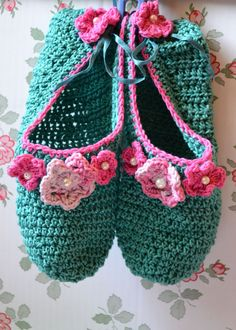 crochet romantic flowers slippers