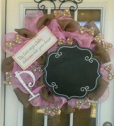 Baby girl deco mesh wreath for hospital door www.facebook.com/southernsassbcs Hospital Door Wreaths, Hospital Door Hangers, Baby Door Hangers, New Baby Wreath, Baby Wreaths, Deco Mesh Crafts, Deco Mesh Wreaths, Diy Baby Gifts, Baby Shower Gifts