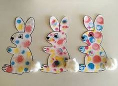 Ink pads: the polka dot rabbit - Les Pious de Chatou (Maternal Assistant . Easter Art, Easter Projects, Easter Crafts For Kids, Toddler Crafts, Preschool Crafts, Diy For Kids, Easter Activities, Activities For Kids, Diy And Crafts