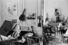 * Jacqueline and Picasso at home in La Californie], circa 1957.