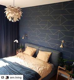Dark wallpaper bedroom home decor 55 super Ideas Modern Master Bedroom, Farmhouse Master Bedroom, Trendy Bedroom, Bedroom Wallpaper Accent Wall, Dark Wallpaper, Wallpaper Ideas, Modern Wallpaper, Luxury Wallpaper, Accent Walls