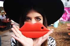 iPhone lips