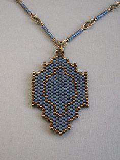 Pendant Jewelry, Diy Jewelry, Beaded Jewelry, Jewelry Making, Beaded Necklaces, Jewelery, Bead Earrings, Crochet Earrings, Diy Earring Holder