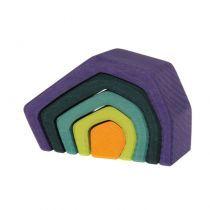 Le jeu en bois Terre de chez Grimm's est un jeu de construction et d'assemblage inspiré des pédagogies Montessori et Waldorf. Issu de l'univers des 4 éléments, on retrouve dans le même thème : petites vagues, Feu et Fleur. Multiples possibilités de jeux, même pour les tout petits. La construction de choses toutes simples ou encore des maisons, tunnels ou pourquoi pas des sculptures étonnantes !  Longueur :  11,5 cmDès 12 mois.