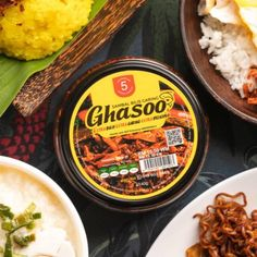 Feel the crunchy of Malaysia sambal bilis original recipe. Come in 2 flavour. Original and spicy Halal Recipes, Original Recipe, Spicy, Curry, The Originals, Food, Curries, Essen, Meals