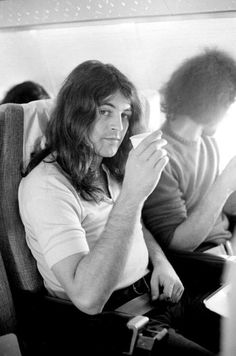Another person that inspires me is Ian Gillan of Deep Purple. What a looker and what a voice! <3