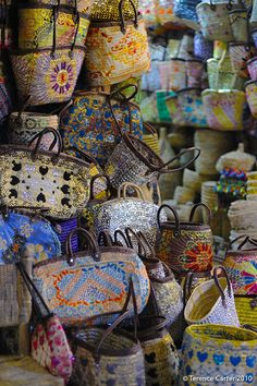 Our Marrakech medina meander is a self-guided shopping-themed walking tour through the souqs or covered markets of Marrakech, Morocco. Marrakech, Fez Morocco, Morocco Travel, Africa Travel, Agadir, Melbourne Markets, Brisbane, Shopping Places, Weaving Art