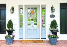 Farmhouse Front Entry And Easy Planters - Worthing Court