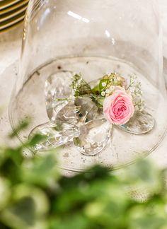 #under_Glas_Blooms. #Blumenkonzept #Kreation und #Photography by #English_Rosarium