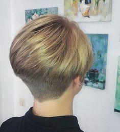 Short Wedge Hairstyles, Short Wedge Haircut, Short Stacked Bob Haircuts, Stacked Hairstyles, Thin Hair Cuts, Short Hair Cuts For Women, Short Hair Styles, Short Hair Back View, Hair Cutting Techniques