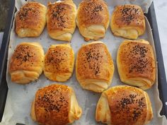 Katmer poğaça/Poača (fotorecept) - obrázok 7 Hot Dog Buns, Hot Dogs, Ale, Bread, Food, Basket, Meal, Ale Beer, Essen