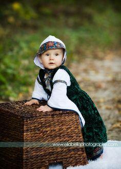 Child tudor garment. Custom medivial costume for toddler