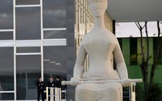 | 18.abril.2016 | O Supremo Tribunal Federal (STF) realiza hoje, segunda (18/4), das 14h às 18h30, uma audiência sobre aquele que pode ser considerado o mais importante julgamento da história do Direito Ambiental no Brasil. O evento irá discutir as quatro Ações Diretas de Inconstitucionalidade (ADIs) apresentadas pela Procuradoria Geral da República (PGR) e o PSOL que tramitam na corte contra a Lei 12.651/2012, que revogou o antigo Código Florestal.