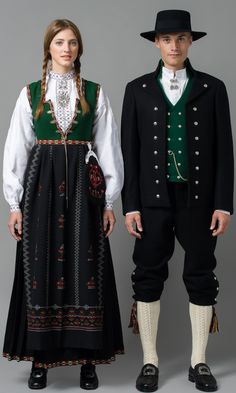 🇳🇴Nordfjord - Sogn og Fjordane - Bunader - Norsk Flid nettbutikk og bunader **Einar J was from this county**, Norway 🇳🇴 Norwegian Clothing, Norwegian Fashion, Folk Clothing, Historical Clothing, Traditional Fashion, Traditional Dresses, Costumes Around The World, Frozen Costume, Ethnic Dress