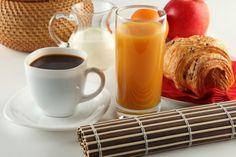 Café o jugo de frutas: ¿cuál es más saludable?   http://caracteres.mx/cafe-o-jugo-de-frutas-cual-es-mas-saludable/?Pinterest Caracteres+Mx