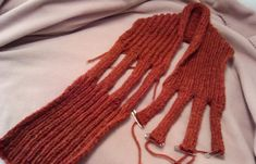 This site is an e-portfolio of the work of Theatre Artist and Theatre Educator Trish Everett. Knitting Stiches, Knitting Patterns Free, Knit Patterns, Free Pattern, Knitting Ideas, Crochet Poncho, Knitted Shawls, Crochet Scarves, Scarf Knots