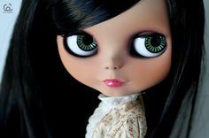 I love Blythe Dolls! Valley Of The Dolls, Living Dolls, Cute Dolls, Doll Face, Toys For Girls, Vintage Dolls, Blythe Dolls, Green Eyes, Fascinator