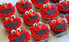 Chef Mommy: Sesame Street Cake and Cupcakes
