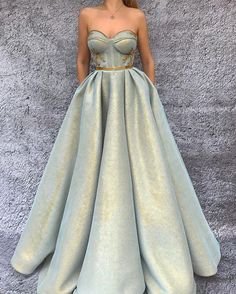 "1,026 Likes, 11 Comments - Modern Wedding Australia (@modernweddingmagazine) on Instagram: ""Those #fairytale feels are beaming out of this gown by @teutamatoshiduriqi #weddingdressideas"""