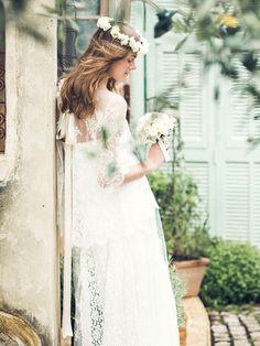 ス・ジュール・ラ(Ce Jour La)  レースのドレスに白の花冠を合わせてとびきりスウィートに
