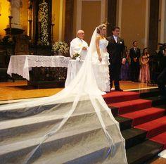 Véu longo no altar lindissimo