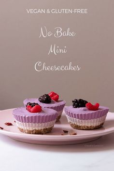 No bake tricolor mini cheesecake - ideal to enjoy during the hot summer days, and since they are vegan and gluten-free, they are also the perfect option Sin Gluten, Vegan Gluten Free, Gluten Free Recipes, Dairy Free, Vegan Recipes, Pie Recipes, Casserole Recipes, Yummy Recipes, No Bake Desserts