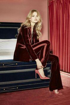 The complete Veronica Beard Resort 2017 fashion show now on Vogue Runway. Foto Fashion, Fashion 2017, Fashion Show, Womens Fashion, Fashion Trends, Fashion News, Latest Fashion, Look Formal, Parisienne Chic