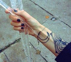 Ellen Atlanta: Tattoo Inspiration: Crescent Moons and Florals