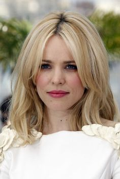 Rachel McAdams hairstyle at Cannes 2011 - Hairstyles from Cannes 2011