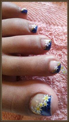 Glitter blue acrylic toes