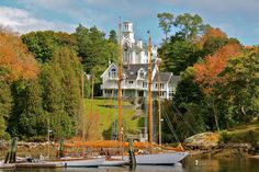 10 Inexpensive Road Trip Destinations In Maine That Won't Break The Bank.