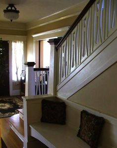 Original arts and crafts staircase and built-in bench - 1913 Craftsman in Hollywood, 445k