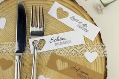 DIY Place Cards Easily make yourself + 5 free templates - perfect for the perfect wedding - DIY Hochzeit / Geschenkideen / Dekoration - Diy Table Cards, Diy Place Cards, Cards Diy, Homemade Place Cards, Wedding Templates, Wedding Invitation Templates, Diy Invitations, Floral Wedding Invitations, Wedding Cards