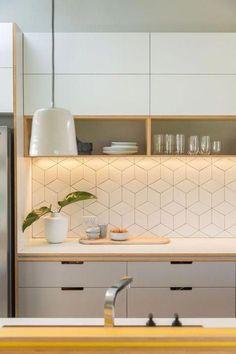 Kitchen design: A little bit of sunshine – Completehome – Best Home Decor Home Decor Kitchen, Kitchen Furniture, Home Kitchens, Modern Kitchens, Kitchen Art, Small Kitchen Tiles, Nordic Kitchen, Kitchen Cabinets, Modern Kitchen Design