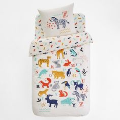 Animalia Printed Cotton Duvet Cover LA REDOUTE INTERIEURS Animal lovers will love this bed linen. Printed with motifs of the animal kingdom's most popular creatures, this is the perfect bedding for a cute. Childrens Duvet Covers, Childrens Beds, Linen Bedding, Bedding Sets, Ideas Habitaciones, Home Furnishing Accessories, Kids Bunk Beds, Bed Duvet Covers, Cotton Duvet