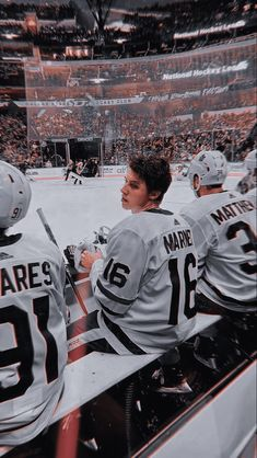Hot Hockey Players, Ice Hockey, Mitch Marner, Maple Leafs Hockey, Hockey Pictures, Hockey Memes, Just Beautiful Men, Elle Kennedy, Wattpad