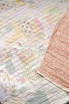 Beautiful soft colors. Quilt by Leslie Keating.