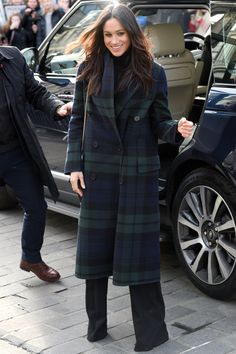 Meghan Markle Style Tartan Plaid Coat Outerwear Winter jacket outfits - Fall fashion jacket outfits Awesome Jacket For Women Winter Casual Outfits Estilo Meghan Markle, Meghan Markle Style, Meghan Markle Coat, Meghan Markle Photos, Plaid Coat, Tartan Plaid, Blue Plaid, Wool Coat, Fur Coat
