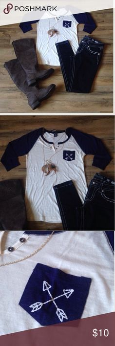 "*NWT* Rue 21 Baseball Arrow Gypsy Tee (L) *CONDITION... NWT (no barcode) - no flaws found when item was checked *DETAILS... 3/4 sleeve top, soft material, baseball style, gypsy / boho cross arrows pocket, gorgeous, casual and cute  *SIZE... Large (L) fits true to size however PLEASE check MEASURMENTS... item laying flat measured in inches - 18.5"" bust un-stretched, 18"" waist, 26"" from top of shoulder to bottom hem on FRONT and 28"" from top of shoulder to bottom hem on BACK ***RETAIL…"