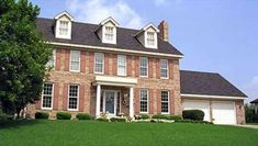 PERFECT FLOOR PLAN - 2550 SQ FEET - BEDROOMS ALL UPSTAIRS