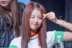 "PLEDIS GIRLZ - Im NaYoung 임나영 at Gangnam fansign 161029 #플레디스걸즈 대표 팬카페 ""WE"" 강남 팬싸인회 #나영"