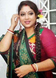 Beautiful Girl In India, Beautiful Women Over 40, Most Beautiful Indian Actress, Beautiful Asian Girls, Indian Natural Beauty, Indian Beauty Saree, Beauty Full Girl, Beauty Women, Girl Number For Friendship