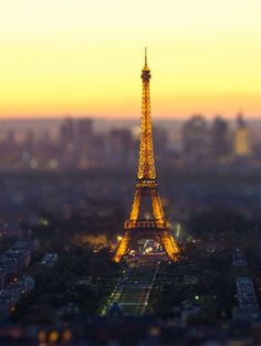 Paris tilt-shift.