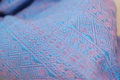 Didymos Indio Aqua-Zyclam with hemp, size 6. Beautiful in person, looks purple from a distance
