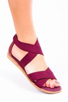 Bordowe sandały