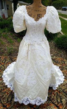 4c99f76e8de6 325 Best 1980s Vintage Bridal images in 2019 | Vintage bridal, 1980s ...