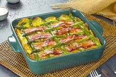 Bacon And Asparagus Quiche With A Potato Crust Asparagus Dishes, Asparagus Quiche, Asparagus Bacon, Potato Dishes, Food Dishes, Side Dishes, Sliced Potatoes, Recipes, Potatoes