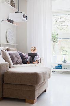 Saa kurkistaa blogi: olohuone/living room